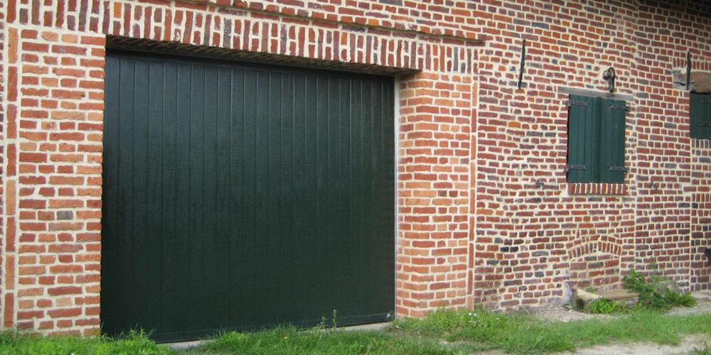 Porte De Garage Coulissante  En Bois  Automatique  Smf Services