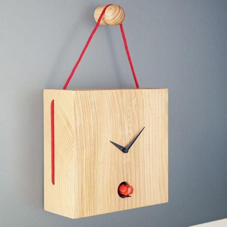 Horloge contemporaine / analogique / murale / en bois - TOITURE by ...
