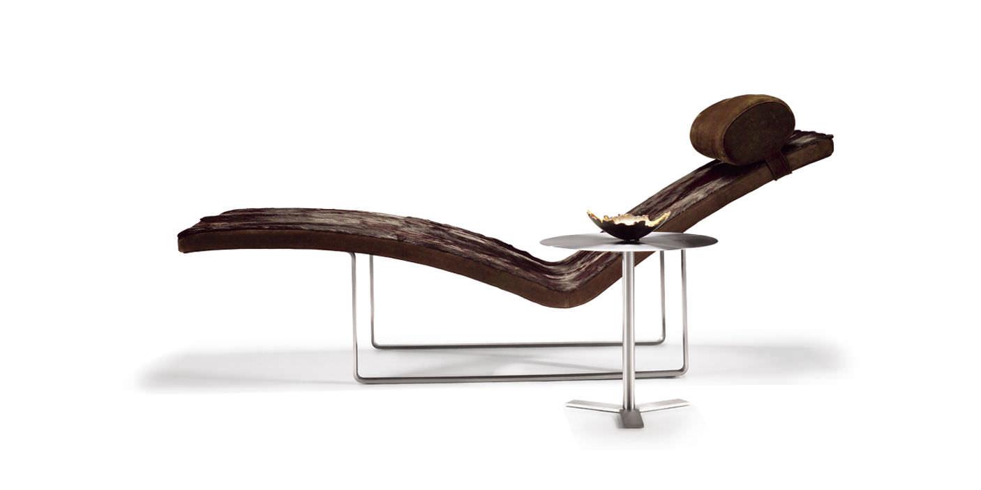 Chaise longue contemporaine / en tissu / en cuir / en contreplaqué on chaise en transparent, chaise en bois, chaise longue, chaise lounge,