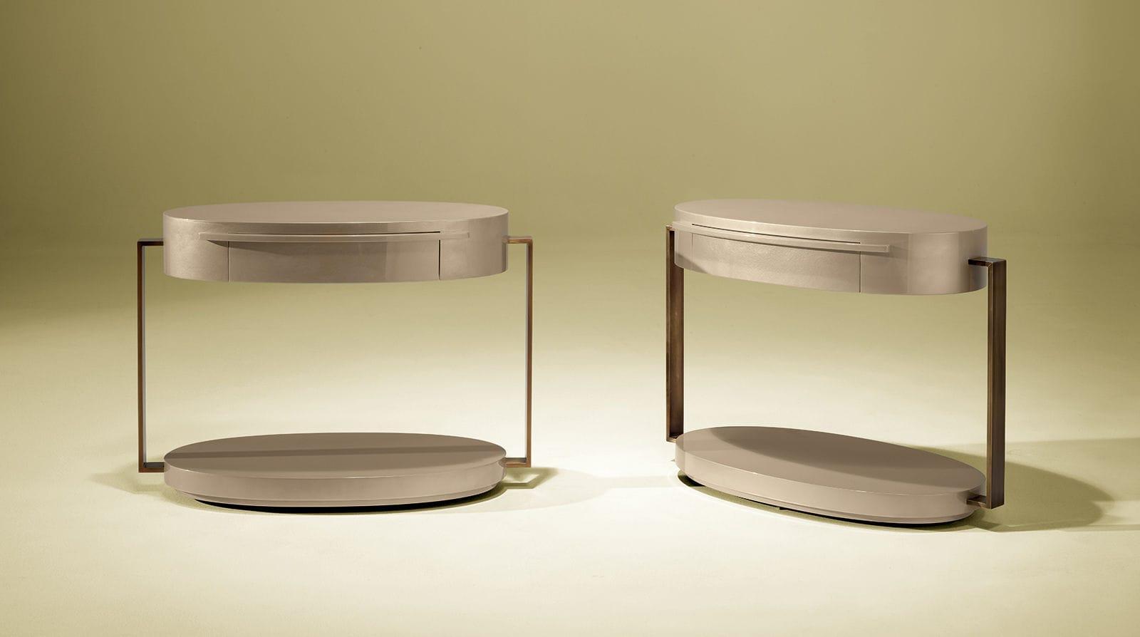 Table de chevet contemporaine / en bois laqué / ronde / beige ...