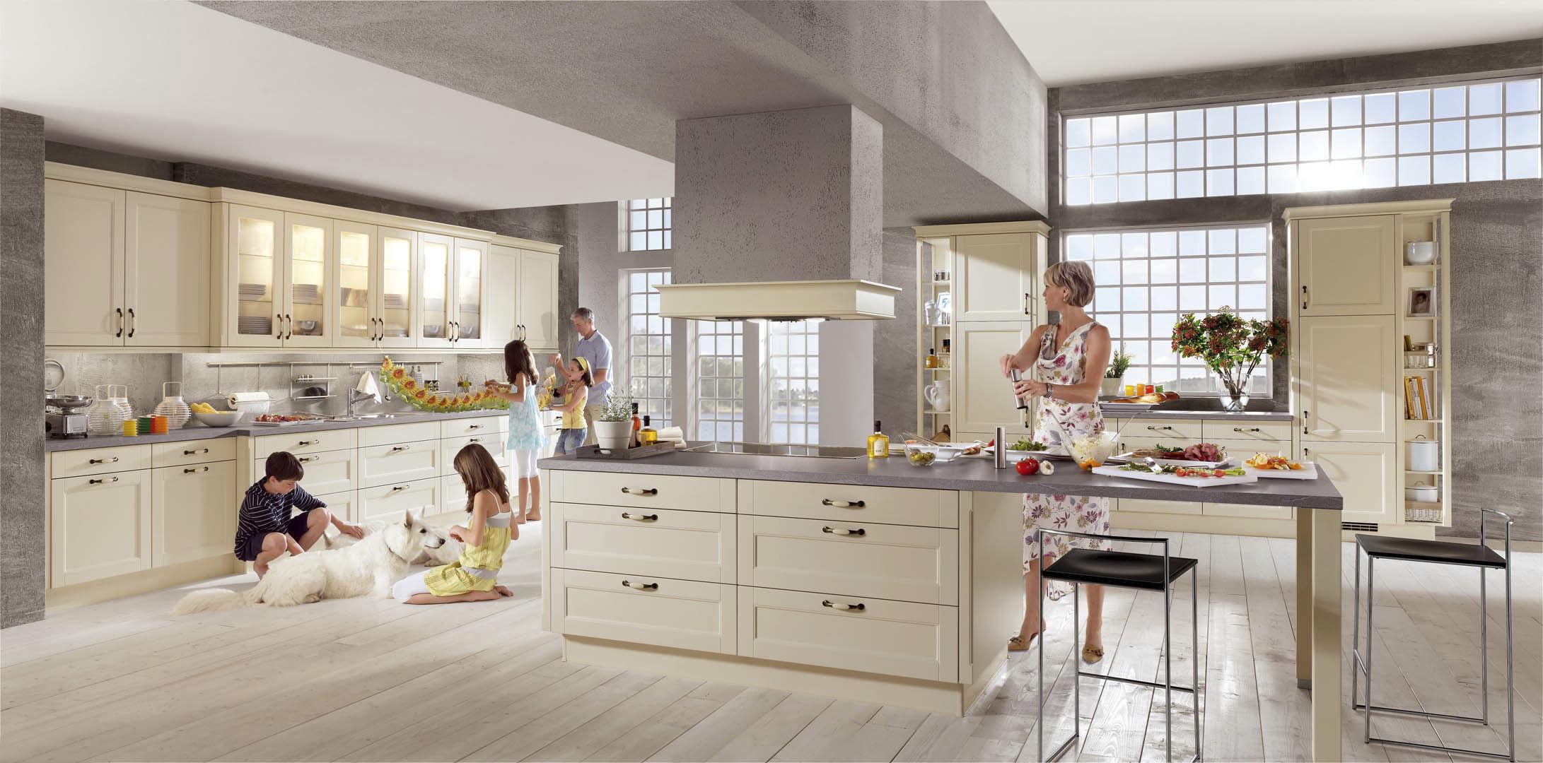 cuisine contemporaine / en bois / avec îlot / laquée - lucca 618