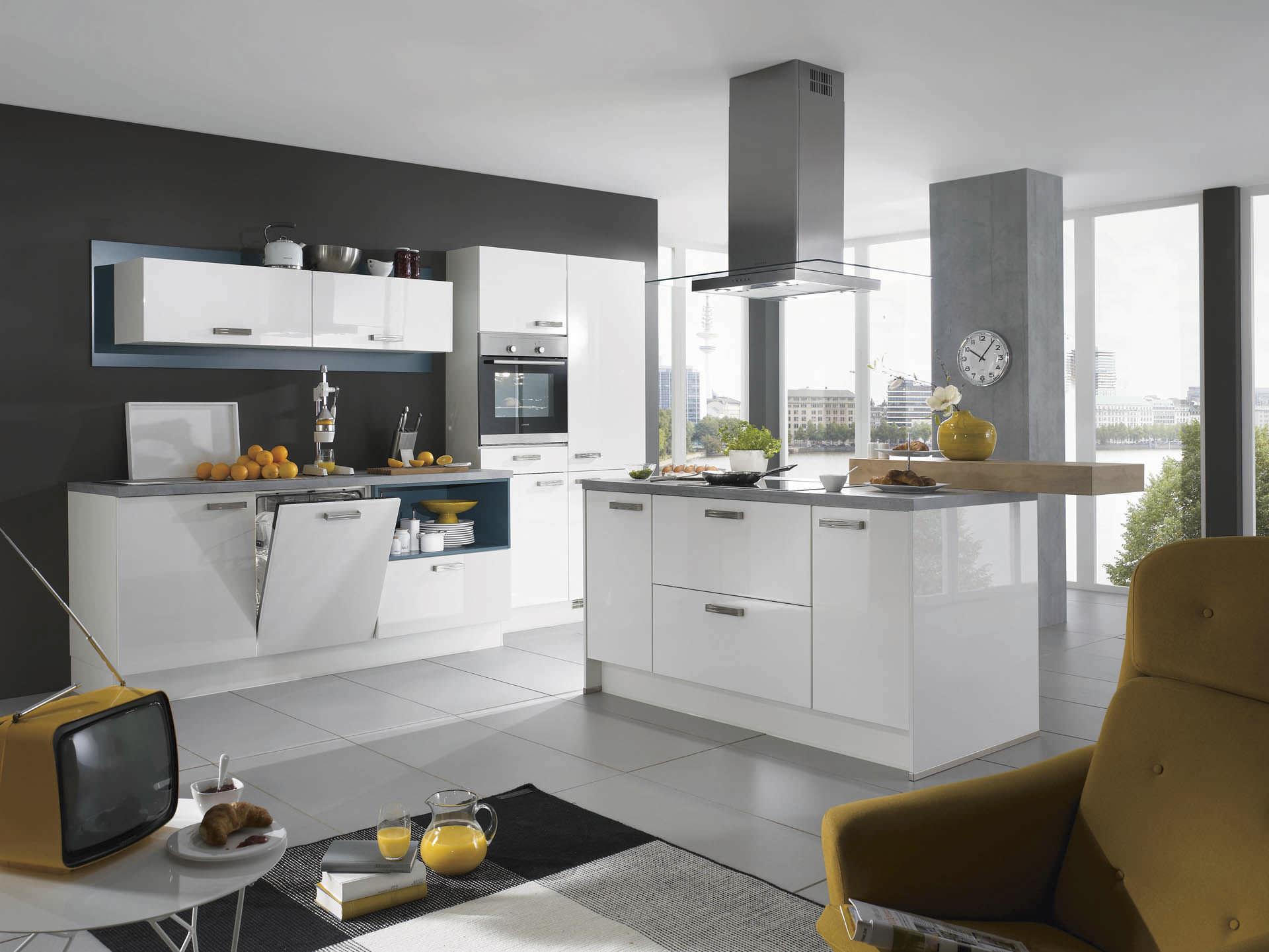 cuisine contemporaine / en bois / avec îlot / laquée - focus 460