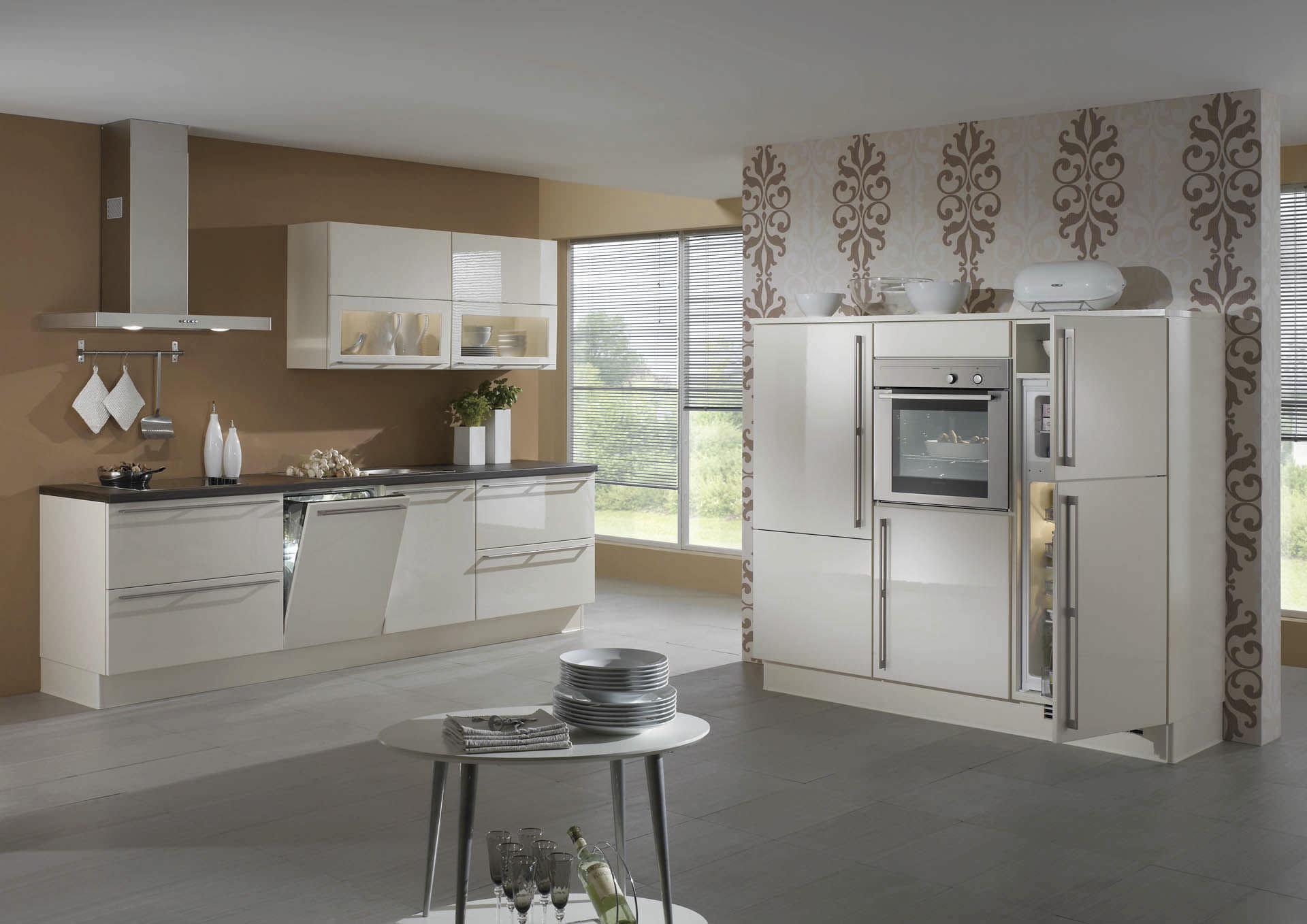 cuisine contemporaine / en bois / laquée / brillante - lux 816
