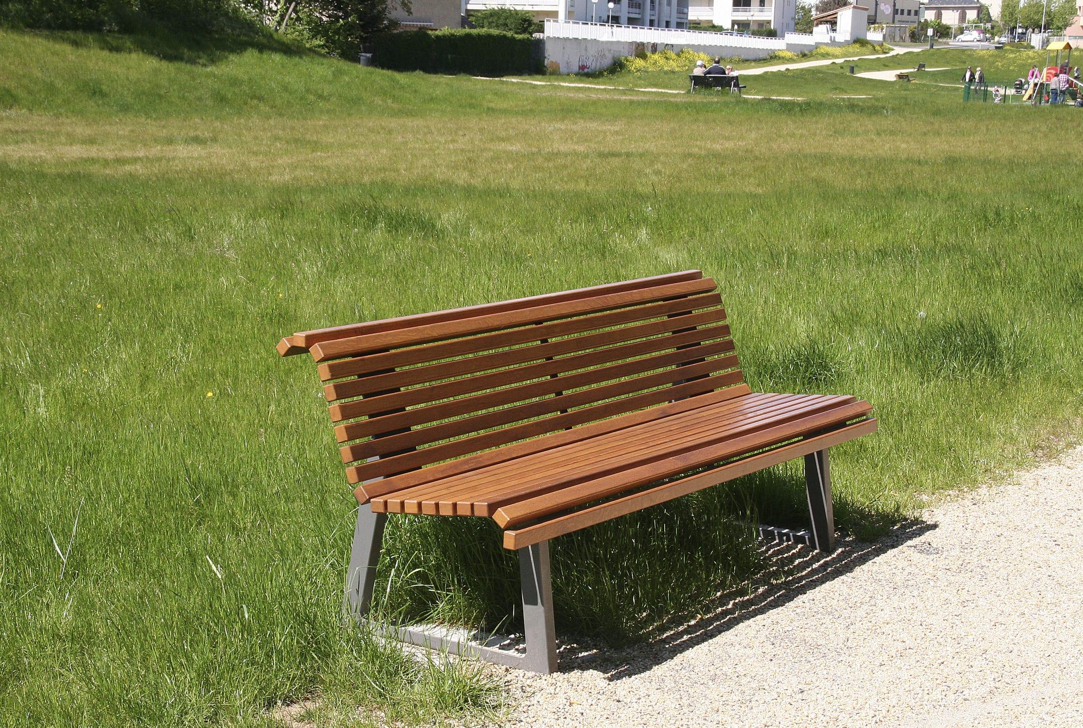 Banc public de jardin contemporain en chªne TIMEO ACCENTURBA