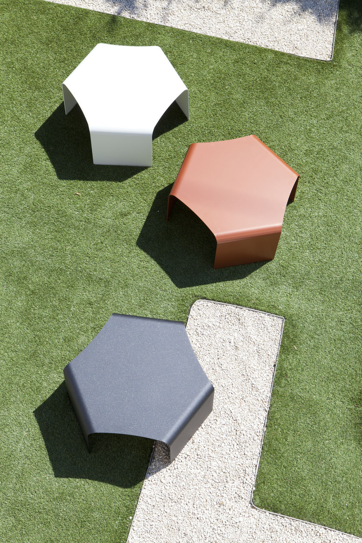 Table basse contemporaine / en aluminium / hexagonale / de jardin ...