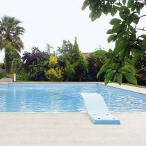 Margelle de piscine en béton