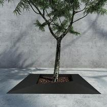 Grille d'arbre en métal / carrée