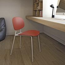 Chaise contemporaine / avec accoudoirs / en acier chromé / en polypropylène