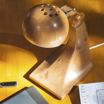 Lampe de table / contemporaine / en bois