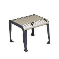 Table contemporaine / en acier / rectangulaire / d'extérieur