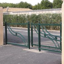 Barrière de protection / fixe / en fonte / pour espace public