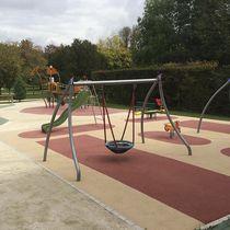Balançoire en acier / pour parc de jeux