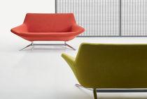 Canapé contemporain / en cuir / en tissu / pour établissement public