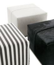 Pouf contemporain / en tissu / en cuir / par Antonio Citterio