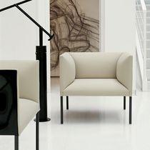 Fauteuil contemporain / en tissu / en cuir / bridge