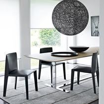 Chaise contemporaine / tapissée / en tissu / en cuir