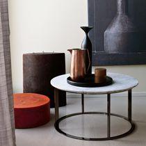 Table d'appoint contemporaine / en marbre / en chêne / en acier chromé
