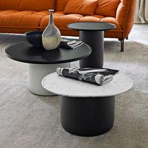 Table d'appoint contemporaine / en marbre / en MDF / ronde