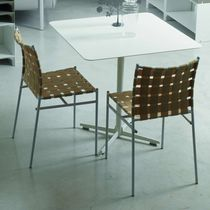 Chaise contemporaine / empilable / avec accoudoirs / recyclable