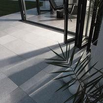 Carrelage d'extérieur / de sol / en granit / à relief
