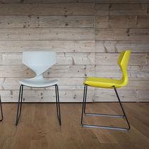 Chaise contemporaine / en acier / en acier laqué / en plastique