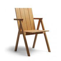 Chaise contemporaine / avec accoudoirs / en chêne