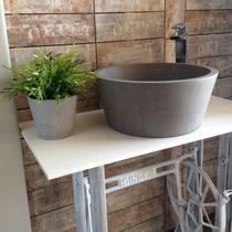 Vasque à poser / ronde / en béton / contemporaine