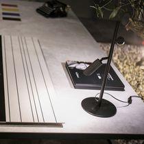 Lampe de table / contemporaine / en métal / en béton