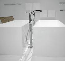 Mitigeur pour baignoire / au sol / en métal chromé / en laiton