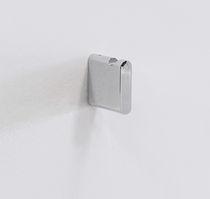 Patère contemporaine / en laiton / en métal chromé / de salle de bain