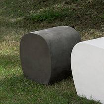 Pouf contemporain / en ciment / de jardin