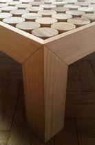 Table basse contemporaine / en bois / carrée / sur mesure