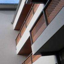 Garde-corps en fibre de bois / à panneaux / d'extérieur / pour balcon