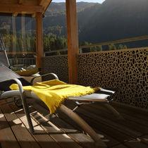 Panneau acoustique perforé / pour agencement intérieur / en fibre de bois / design