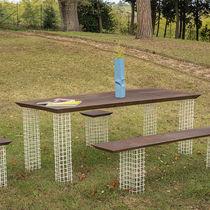Table contemporaine / en fer / en acier corten / rectangulaire