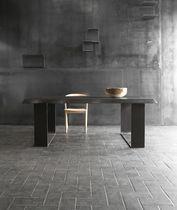 Table contemporaine / en bois / en acier / rectangulaire