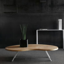 Table basse contemporaine / en bois / en acier / professionnelle