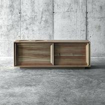 Buffet contemporain / en bois massif / en mélèze