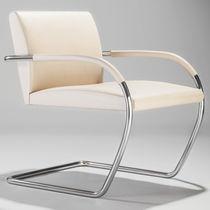 Fauteuil design Bauhaus / en cuir / en acier / pour établissement public