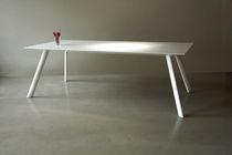 Table contemporaine / en Corian® / pour établissement public