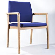 Chaise visiteur contemporaine / connectable / empilable / tapissée