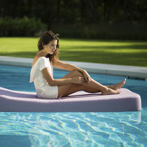 Bain de soleil contemporain / en Sunbrella® / de jardin / à usage résidentiel