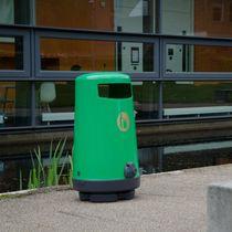 Poubelle publique / en plastique recyclé / contemporaine