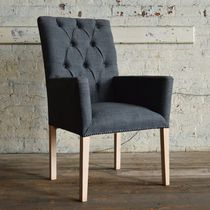 Chaise de salle à manger chesterfield / avec accoudoirs / tapissée / en bois