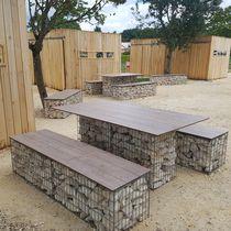Table de pique-nique design original / en acier galvanisé / en pierre / en HPL