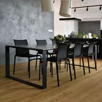 Table à manger design / en acier / en béton / rectangulaire