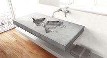 Vasque suspendue / rectangulaire / en béton / design original