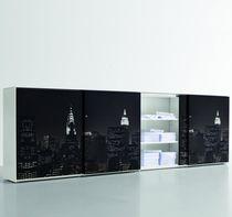 Armoire de classement basse / en métal / avec porte coulissante / contemporaine