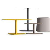 Table contemporaine / en acier / trapézoïdale / pour restaurant