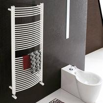 Sèche-serviettes à eau chaude / électrique / en acier / chromé